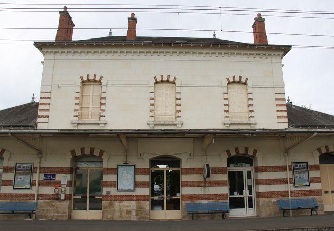 ノワイエ サン テニャン駅