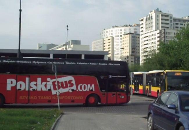 『Polskibus』のワルシャワ一大拠点(ブラチスラバ・ウィーン便・ルブリン便・クラクフ・ブダペスト・プラハ便他)
