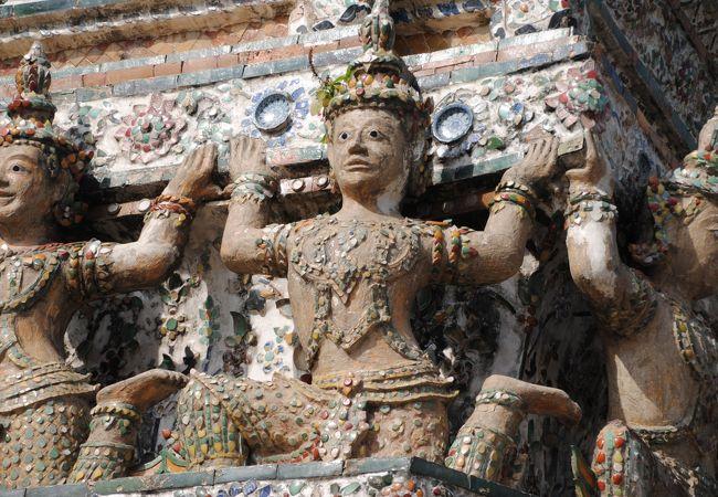 仏塔の装飾