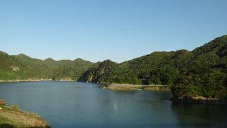 川俣にある堰き止め湖