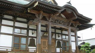 シンプルな寺院