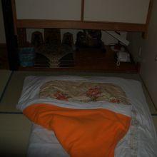 室内、布団