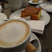 バッハミュージアムに隣接する落ち着いた雰囲気のカフェ。
