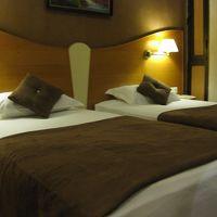 マットレスが固く、ベッドの高さもあり、寝心地が良かった。