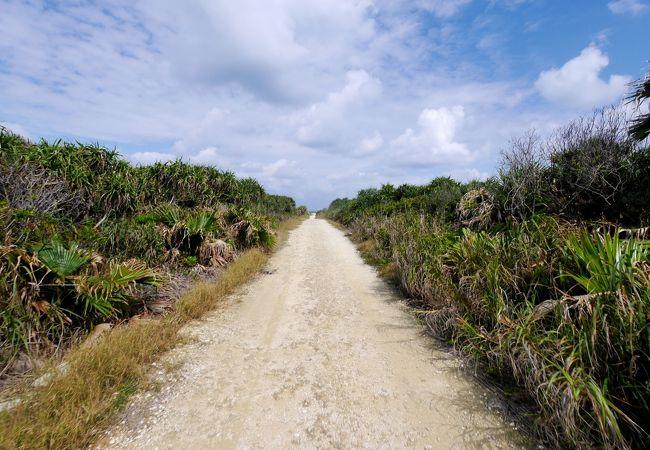 カベールへの道