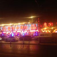 ホテルから近くでこんな中国の夜が味わえる