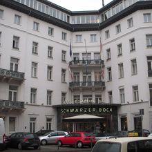 ラディソン ブル シュヴァルツァー ボック ホテル