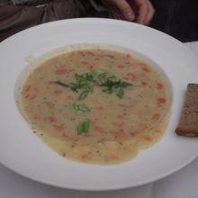 ポテトスープです。