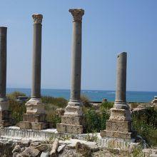 地中海を望む絶景のロケーション