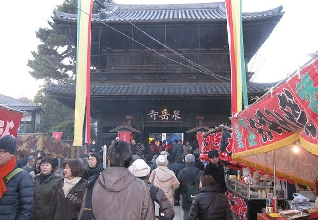 義士祭は年2回、泉岳寺で12月と4月に行われます。