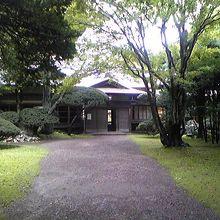 鳥潟会館(旧鳥潟家住宅 庭園)