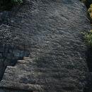 白石島の鎧岩