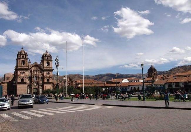 昼間の広場