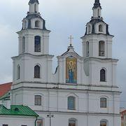 散歩をするには,道路が広すぎてコンクリが多くて疲れるが,聖霊大聖堂,トラエツカヤ地区などは魅力的