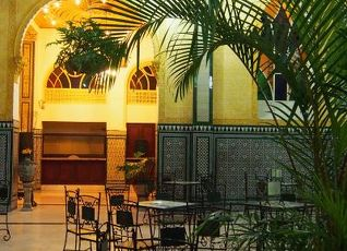 ホテル イングラテッラ 写真