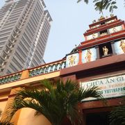 路地にある 静かなヒンズー寺院