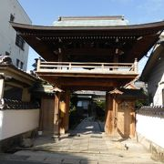 厳島神社の鳥居から真っ直ぐ