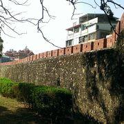 今も現役、昔の城門