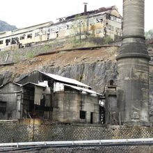 坑道内の作業風景を再現
