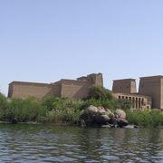 イシス神殿-中州に佇む美しい遺跡。ナイルからのアプローチも楽しい