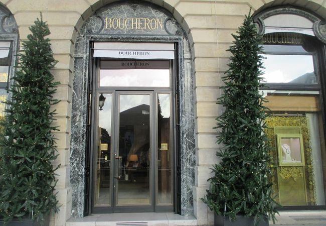 ブシュロン ヴァンドーム広場の高級宝飾店