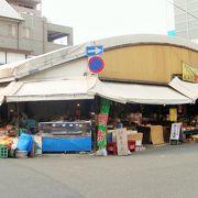 昔ながらの市場の風景