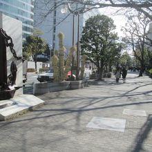 「東京都計量検定所」前から、離島への旅?が始まります