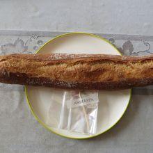 小型のフランスパン。