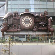 本当に大きな時計です