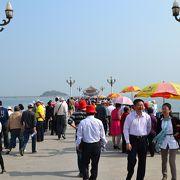 中国人でにぎわう桟橋