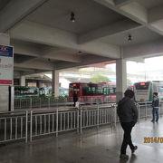 高速鉄道のほとんどは杭州東駅に移り寂しくなった杭州駅。