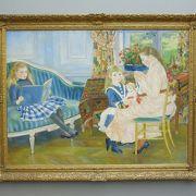 印象派の有名な絵は、真ん中の部屋だけです。