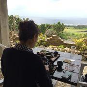 海を見渡せるカフェ
