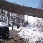 奥に広いスキー場です