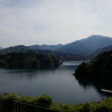 宮ヶ瀬湖の虹の大橋