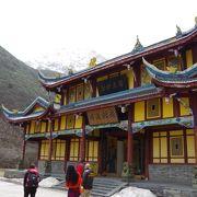 色彩が印象的な道教寺院