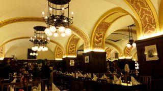 1525年創業の老舗レストラン
