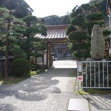 恵珖寺入り口