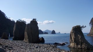 海底火山の活動による奇岩の景勝