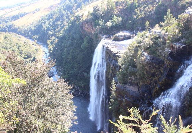 世界で3番目に大きな渓谷