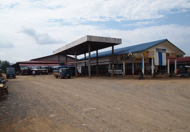 パクライの南バスターミナル