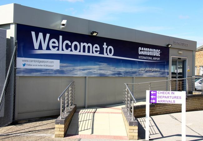 ケンブリッジ国際空港 (CBG)