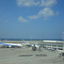機能的な空港。