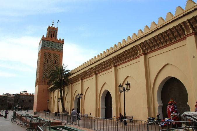 アル マンスール モスク