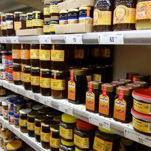モロッコはジャムや蜂蜜の種類が豊富です。