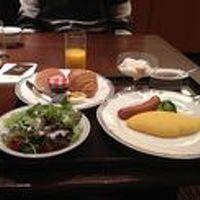 朝食は和洋がその場で選べ、洋食の卵の調理方法も選べます