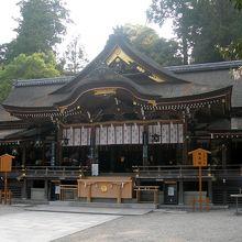 国重要文化財の拝殿。