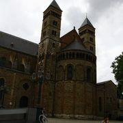 オランダ最古の司教教会
