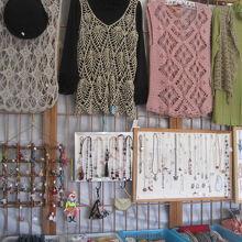 店内では手作り雑貨も販売しています