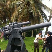 大砲が並んでいます